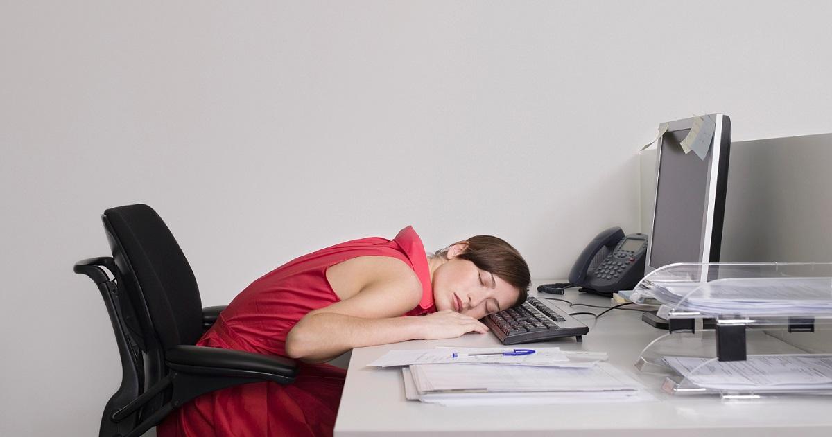 Смешная картинка спит на работе, днем защиты